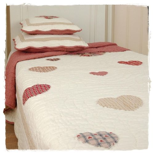ROMANTIC HEART Tagesdecke, Quilt 150x150cm Clayre & Eef  Q063