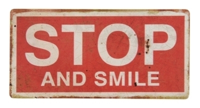 Magnet - Metallschild STOP AND SMILE 10x5cm